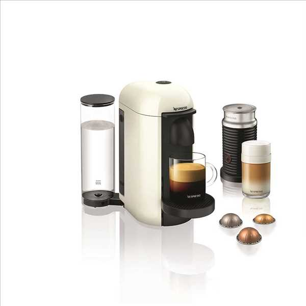 מכונת קפה VertuoPlus מבית NESPRESSO דגם GBC2 בגוון לבן כולל מקציף חלב אירוצי'נו