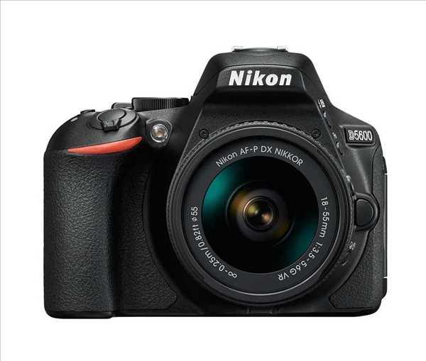 מצלמה רפלקס DSLR  Nikon ניקון D5600 + עדשה 18-55 AF-P VR